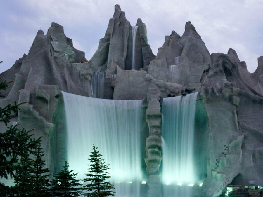 Курсы английского LCF. Канада водопад.
