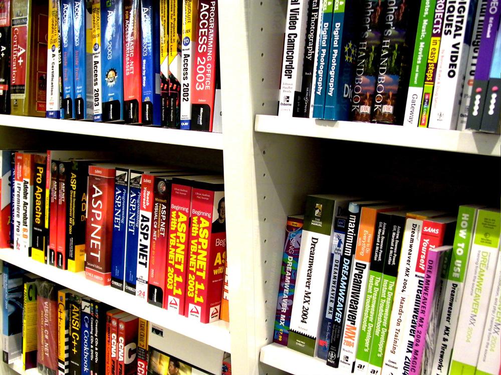 bookstore-1488366-1280x960