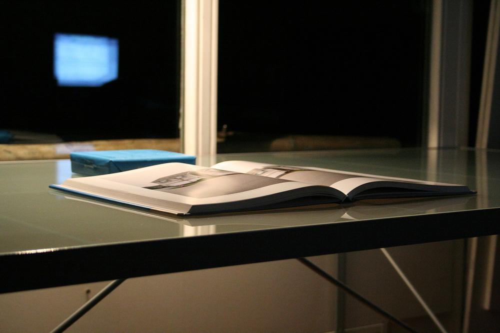 book-on-desk-1241228-1279x852