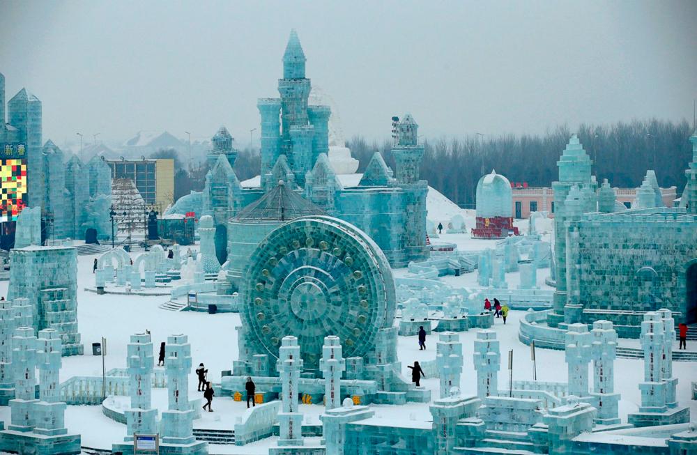 rt_harbin_ice_festival_04_jef_150106_23x15_1600_0