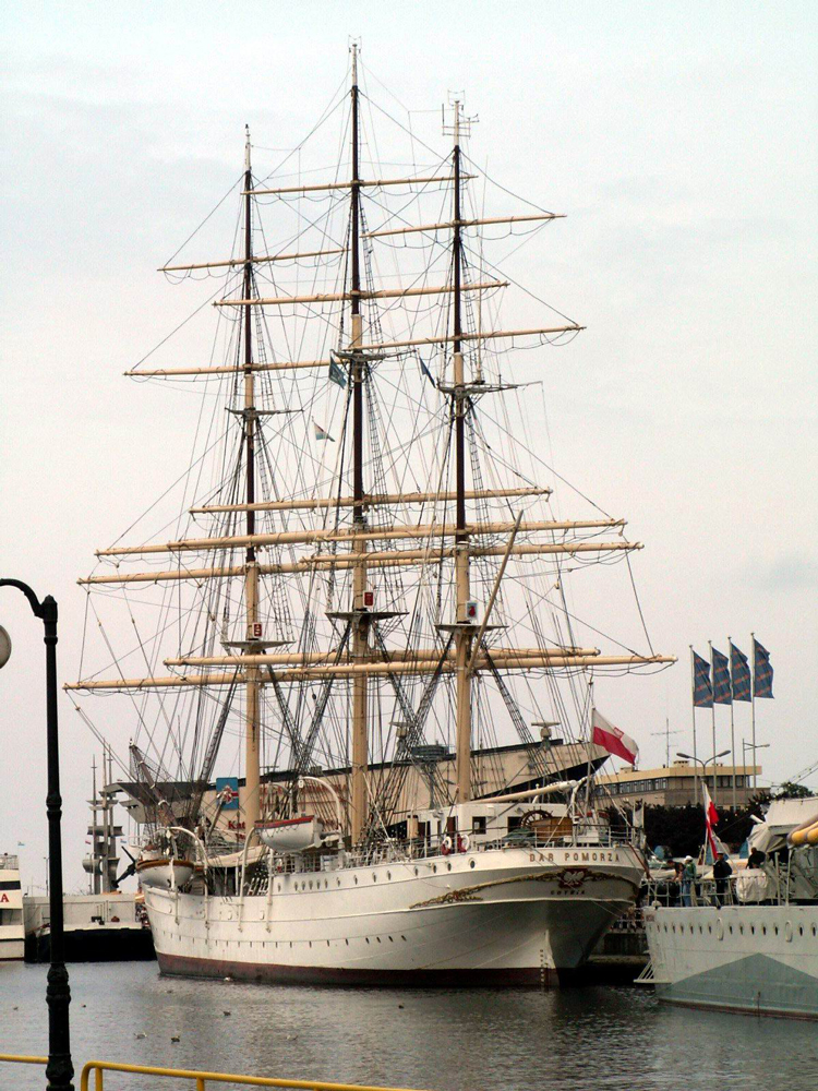 ship-1450598
