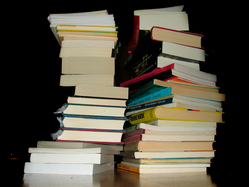 stack-of-books-1531138-1280x960
