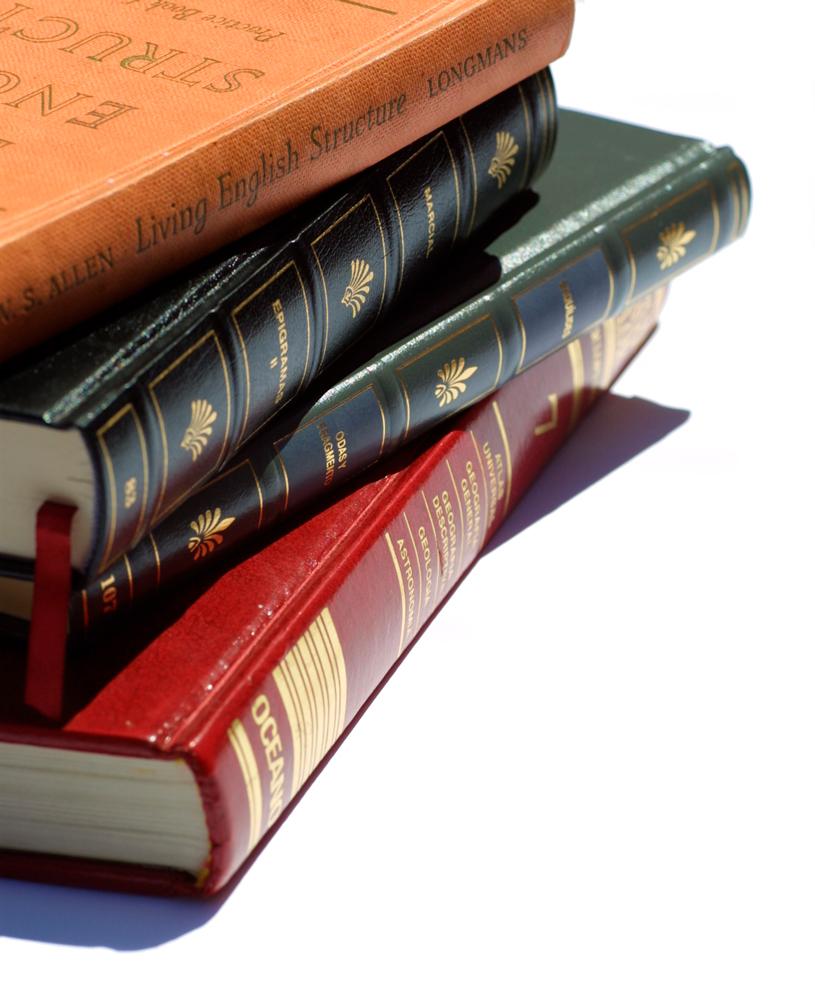 books-1-1475290-1279x1570