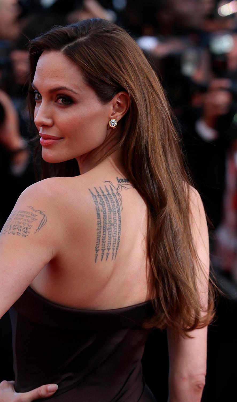 татуировка на женщине